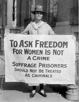 Suffragette_for_alice_paul_1917_postcard