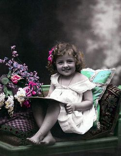 Vintage-postcard-reading