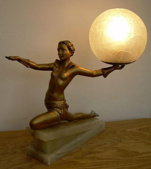 An_Art_Deco_table_lamp__figure